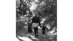 Laura_Grace_and_kids